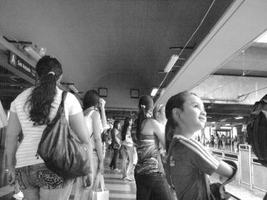 Sonrisas en la estación San Antonio
