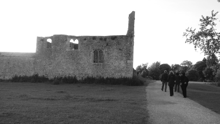 Near an abandoned nunnery, between Oxford and Wolvercote.