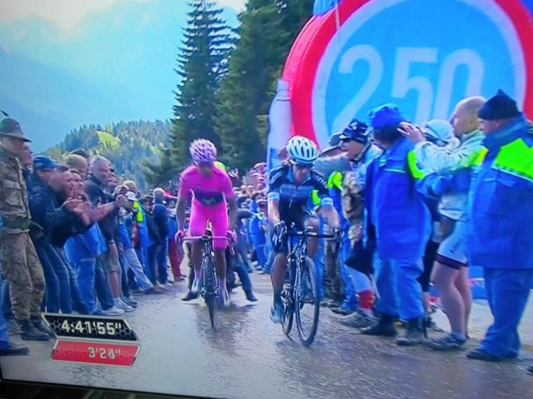 Nairo Quintana, Rigoberto Urán on stage 20 at the Giro d'Italia. Their solidarity could be part of the Latinoamérica (Calle 13) video!