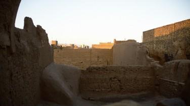 Una antigua ciudad iraní, al amanecer (Kashán)